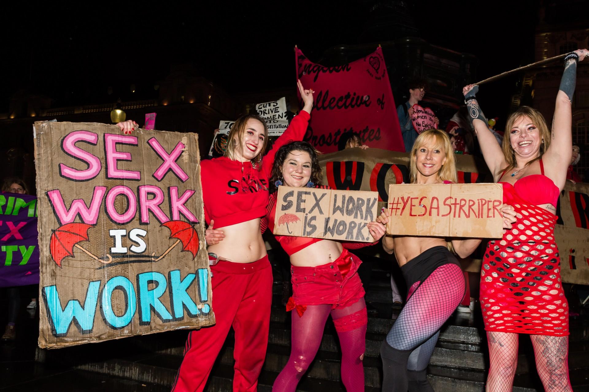 Taniec wpróżni: Jak wygląda praca seksualna wczasach pandemii? Opowiadają nam sex workerki