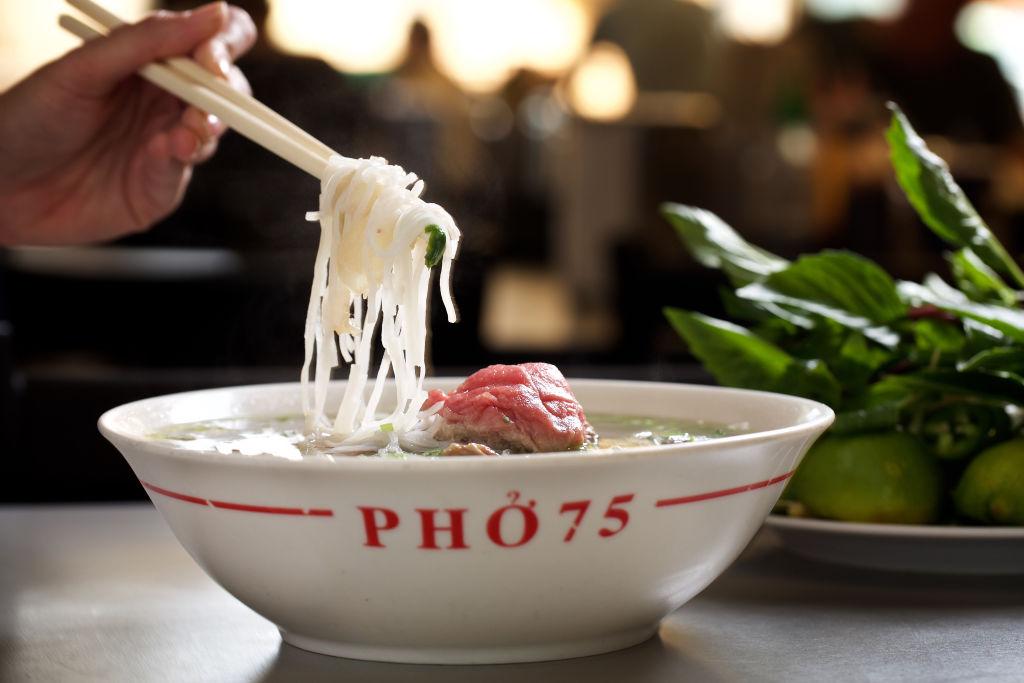 Bolesne żarcie. Ostre jedzenie stało się prawdziwym internetowym fenomenem, alePolacy dopiero je odkrywają