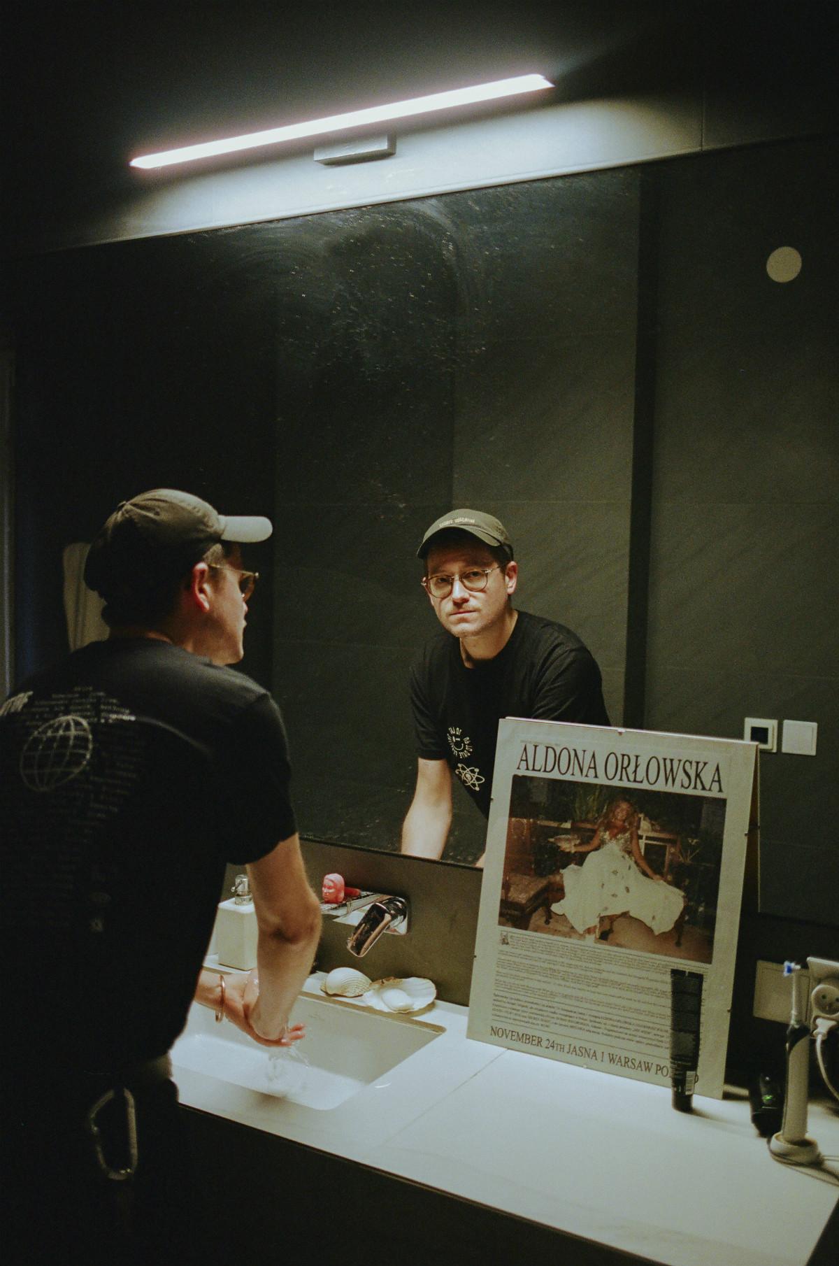 Kovvalsky obyciu dobrym DJ-em, social mediach iprzekupywaniu ochroniarzy