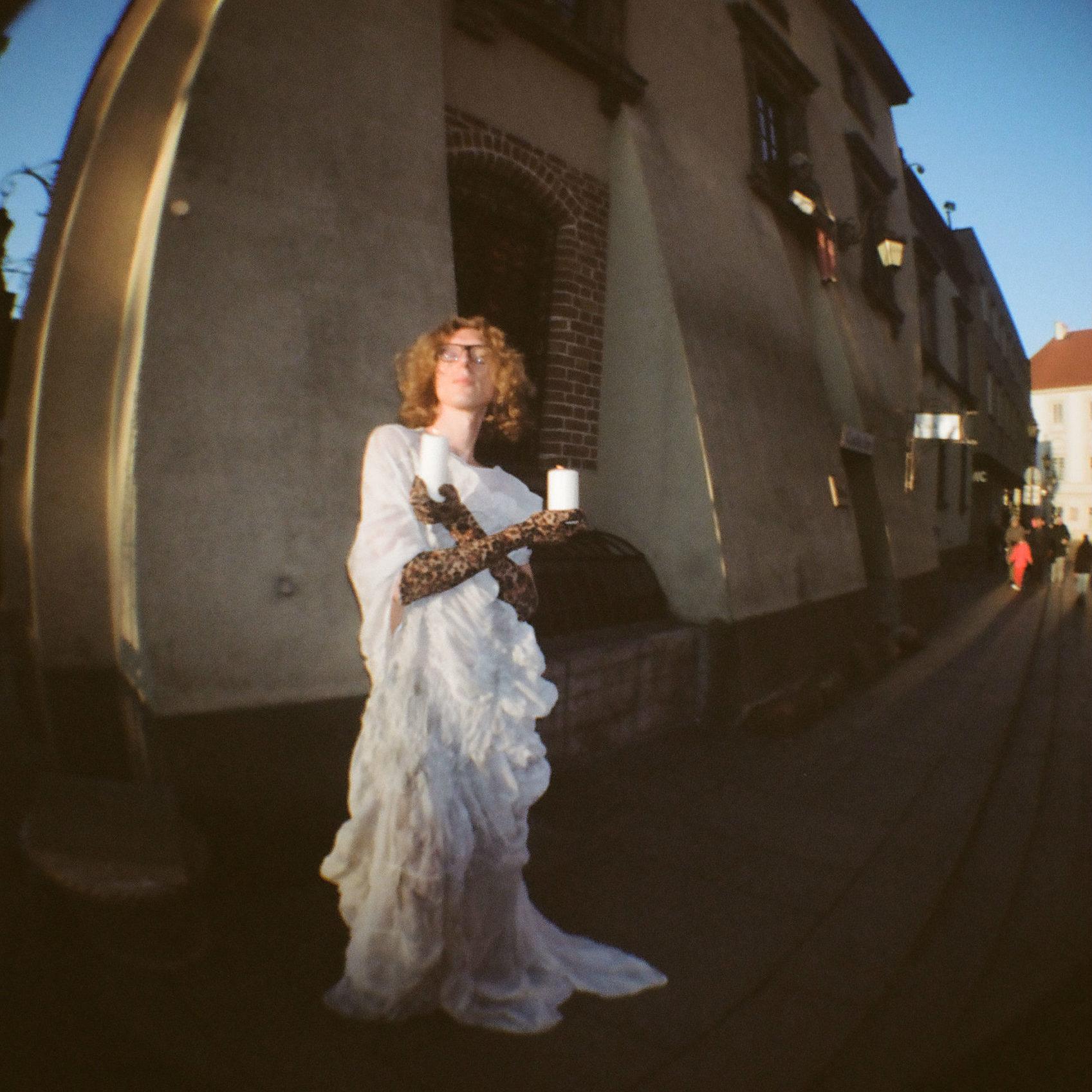 Sukienka JAP, Rajstopy iręlawiczki, własność Filipki, Buty Zara;