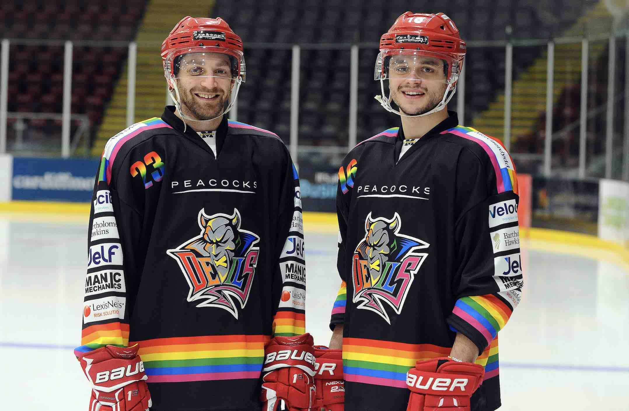 """Cała liga hokejowa wten weekend zagra dla LGBTQ+ wramach """"Pride Weekend"""""""