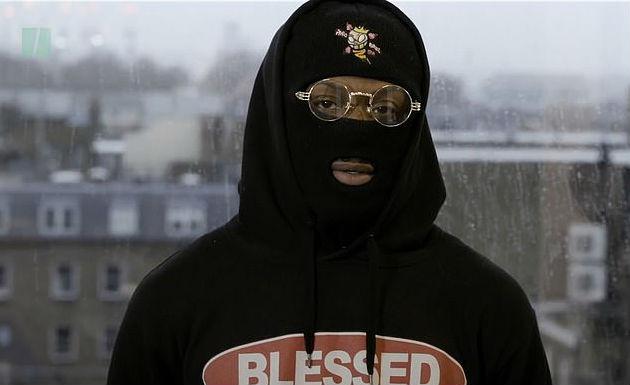 Zamaskowany raper ogłosił start wwyborach naBurmistrza Londynu