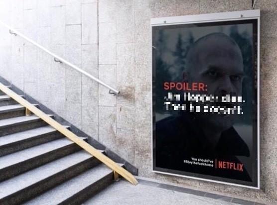 Studenci proponują Netflixowi billboardy zespoilerami seriali byludzie zostali wdomach