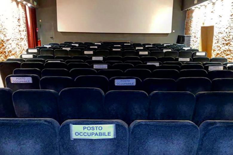 Włoskie kina znalazły sposób byradzić sobie zkoronawirusem