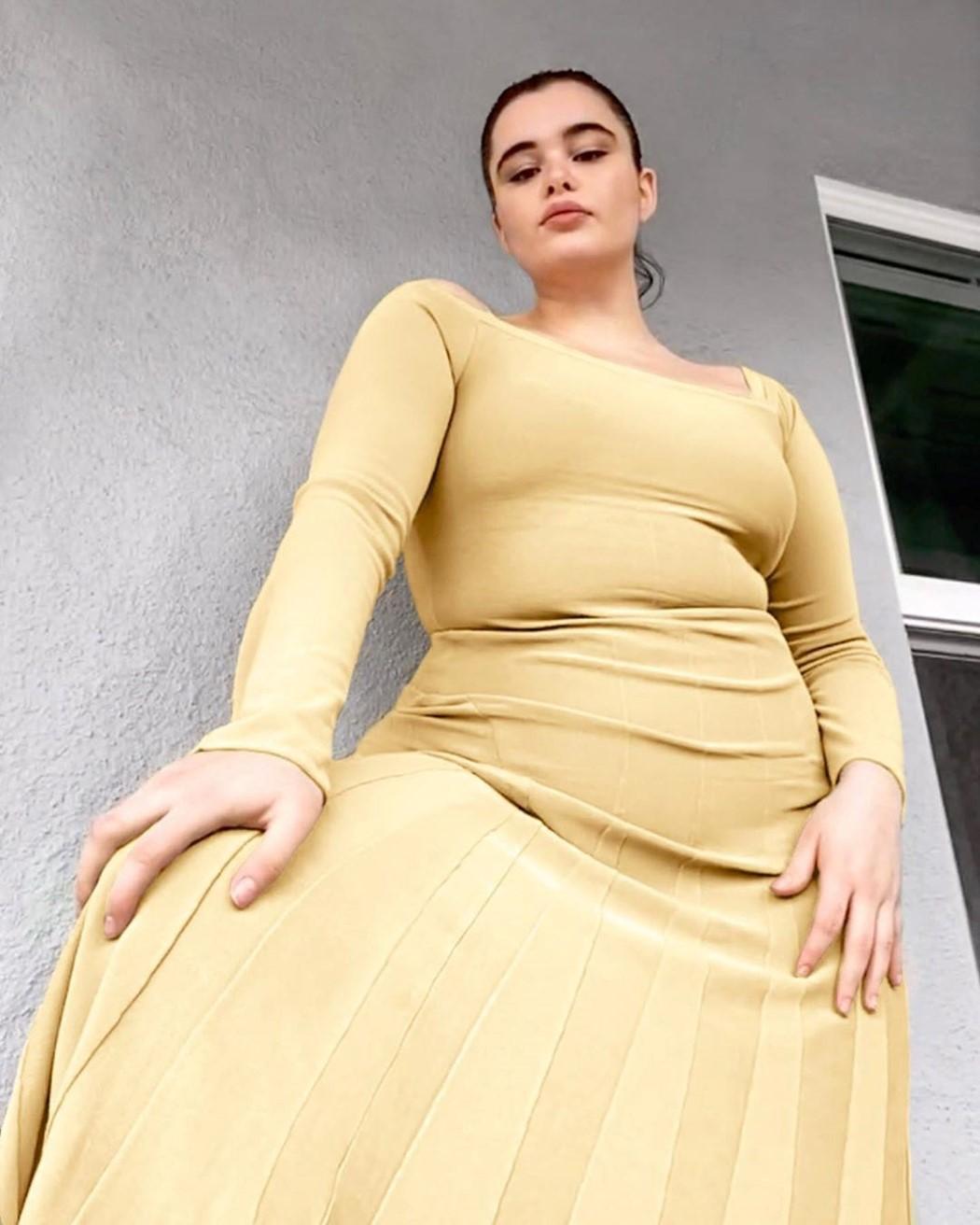 """BARBIE FERREIRA(""""Euforia"""") także wystąpiła wkampanii Jacquemusa przezFaceTime"""