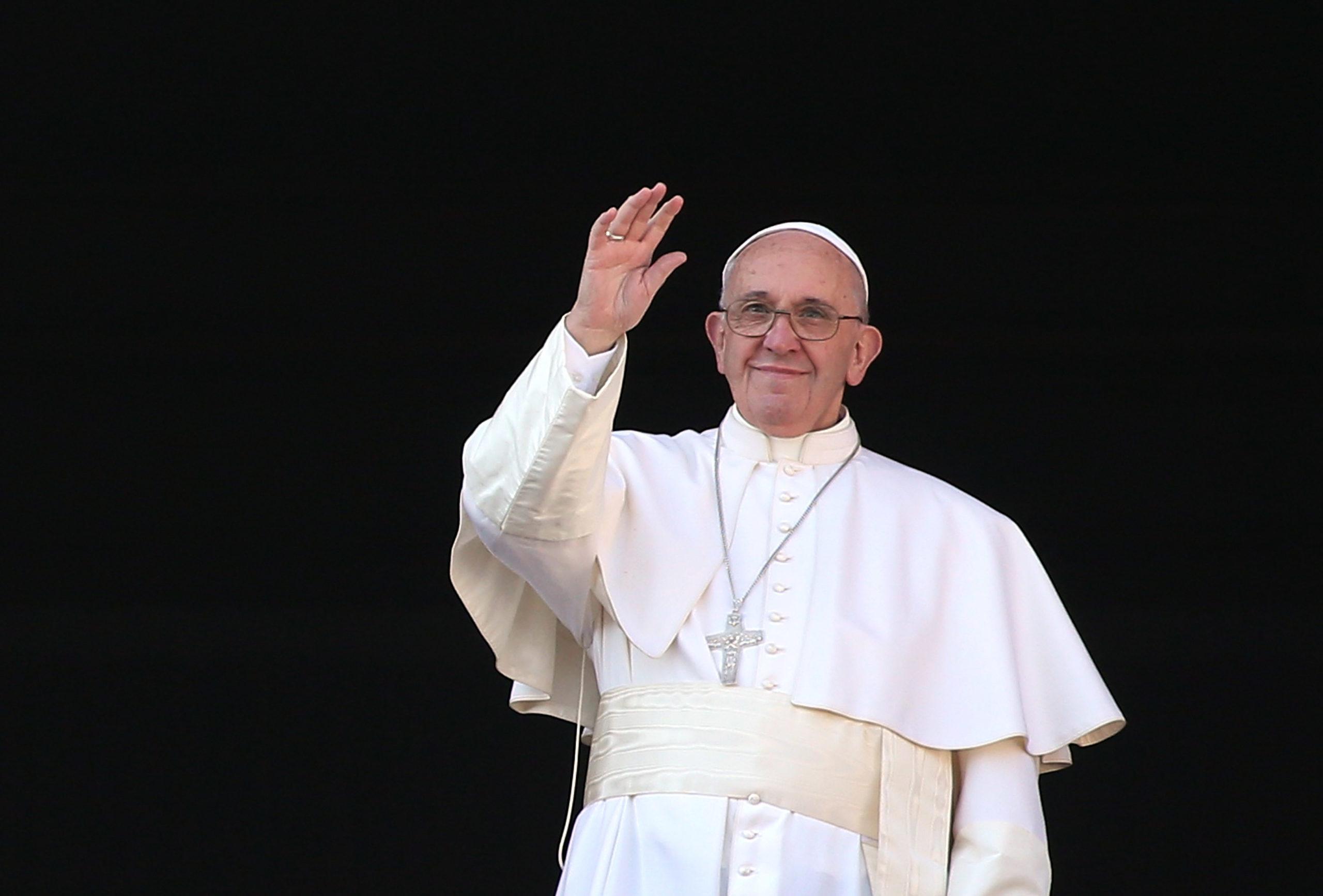 Papież Franciszek pomógł grupie transpłciowych pracownic seksualnych, które niemiały zaco żyć