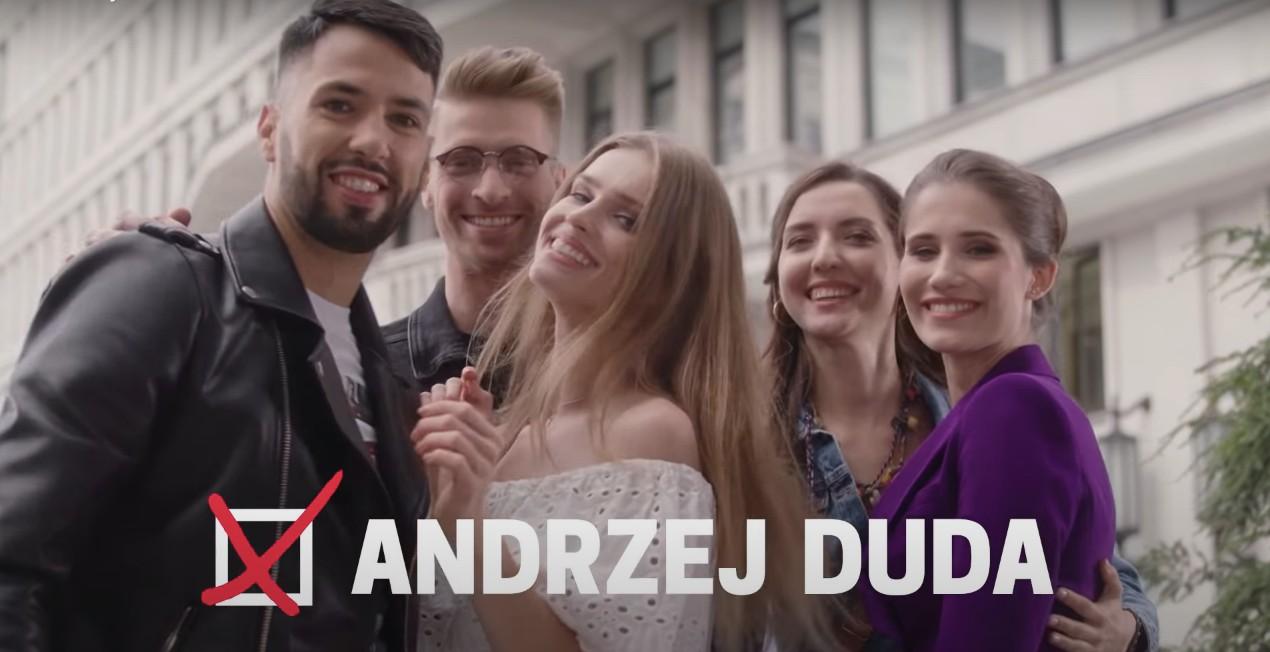 Takmłodych warszawiaków widzi sztab Andrzeja Dudy. Nowy spot Prezydenta todobra komedia