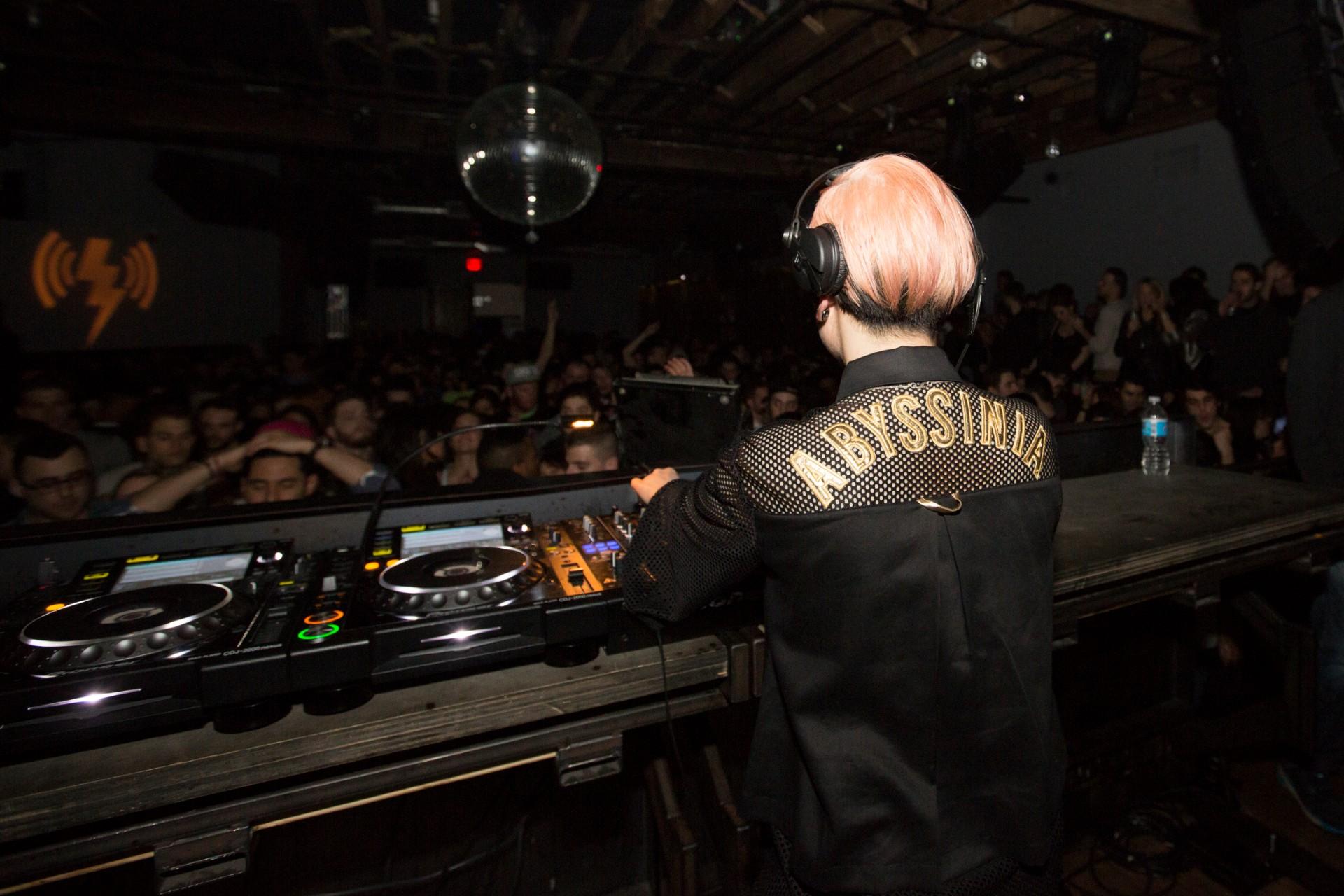 Oramics opublikowały poradnik obsługi sprzętu DJ-skiego