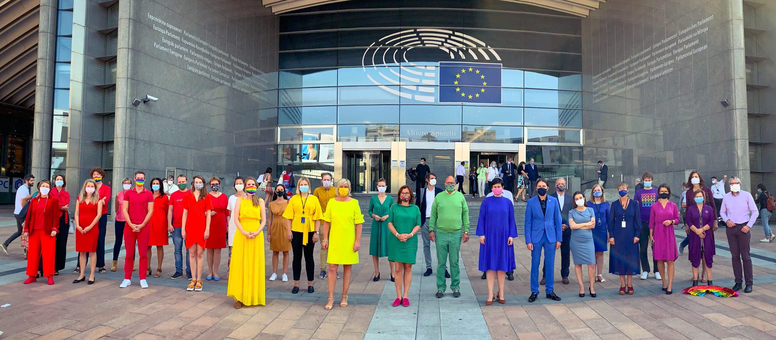 Parlament Europejski wspiera polską społeczność LGBTQ+