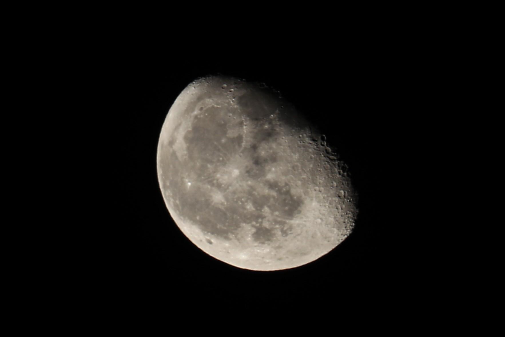 NASA zamierza podłączyć księżyc dointernetu