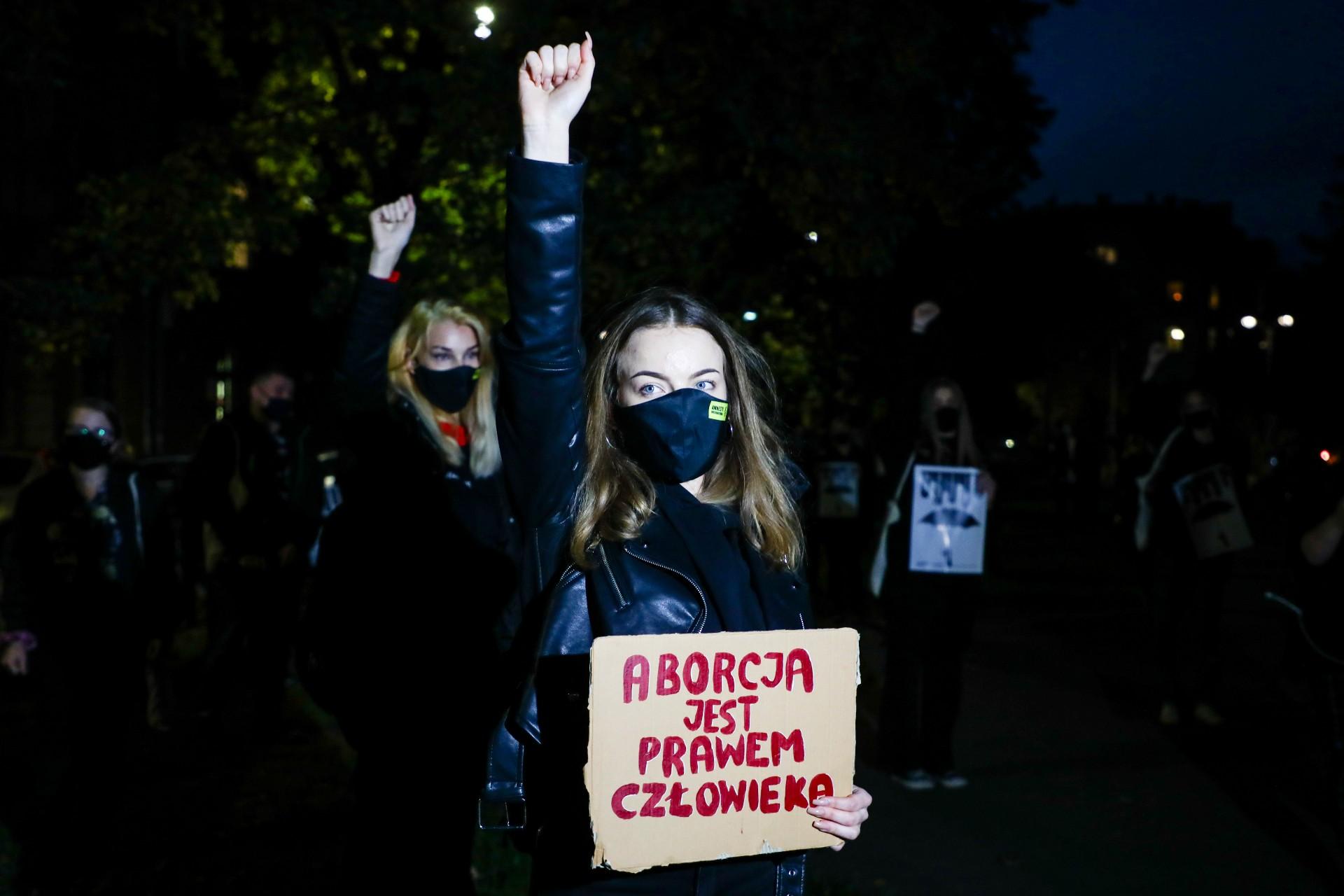 Wczoraj policja użyła gazu wstosunku doprotestujących. Jak działać dzisiaj?