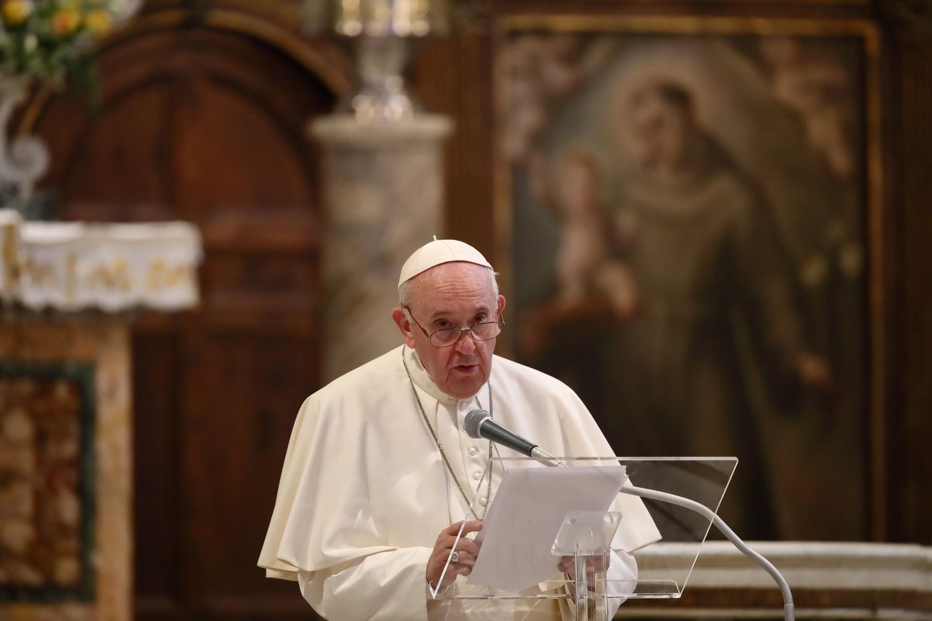 Papież Franciszek oficjalnie poparł związki jednopłciowe
