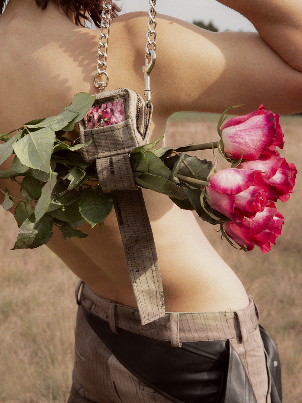 Kolekcja dyplomowa Jana Kardasa torefleksja natemat własnej seksualności