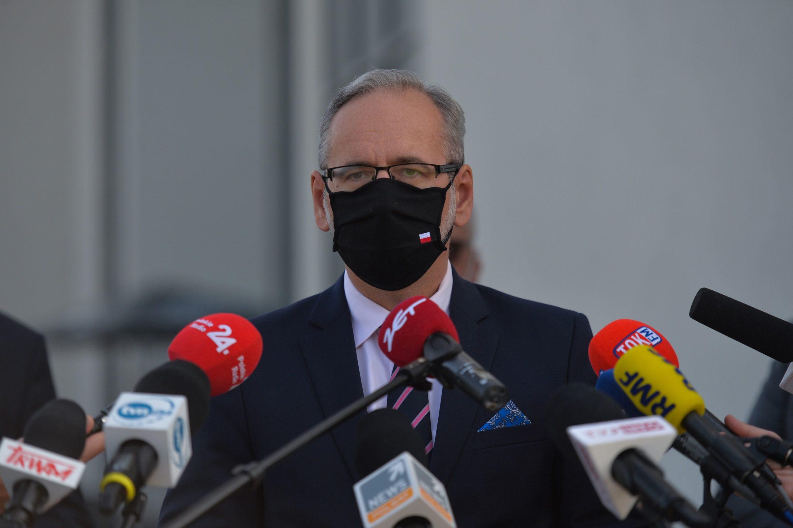 Chaos pokonferencji Ministra Zdrowia. Branże kulturalne irozrywkowe wstrzymują oddech