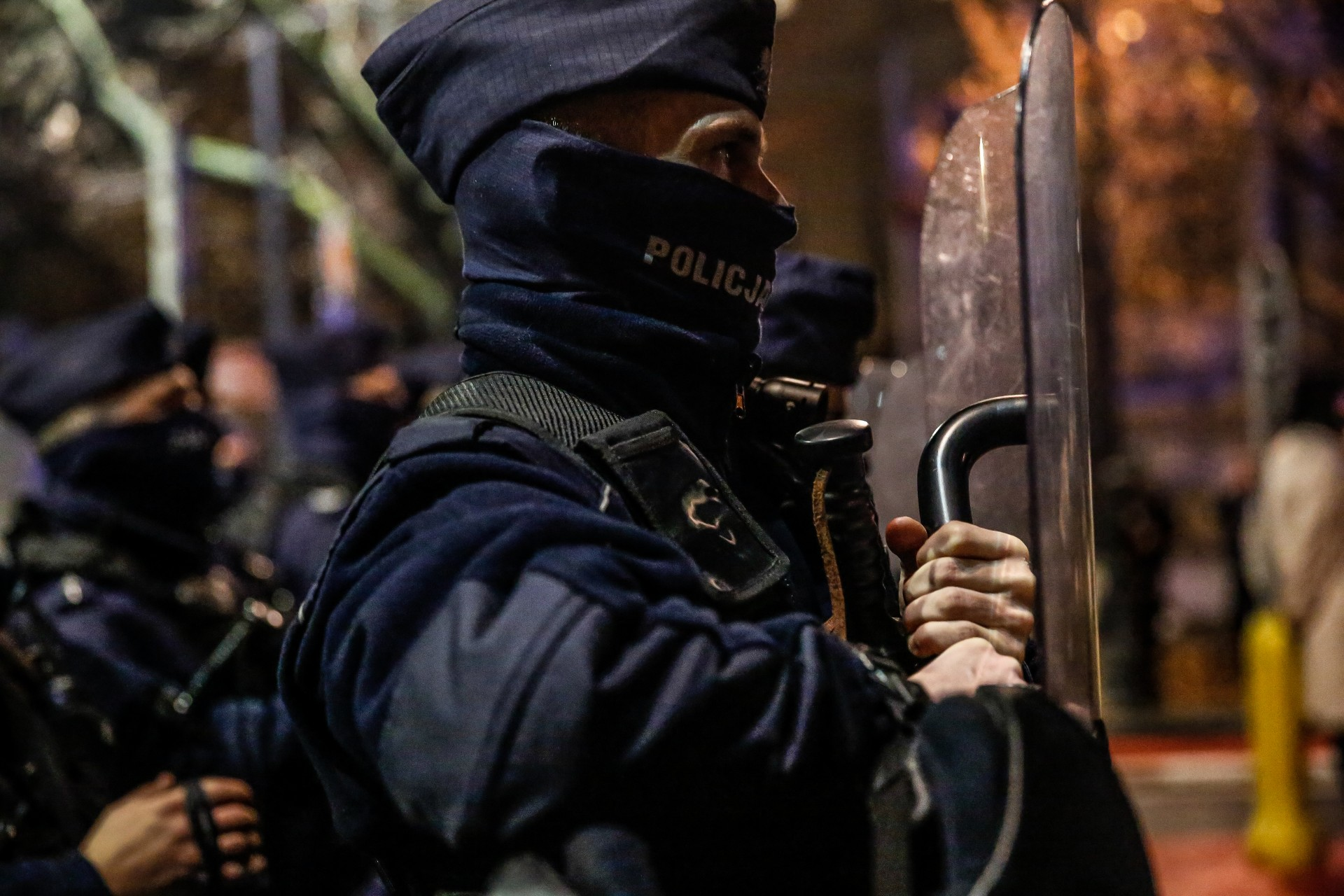 Policja nęka 14-latka podzarzutem organizacji protestów Strajku Kobiet
