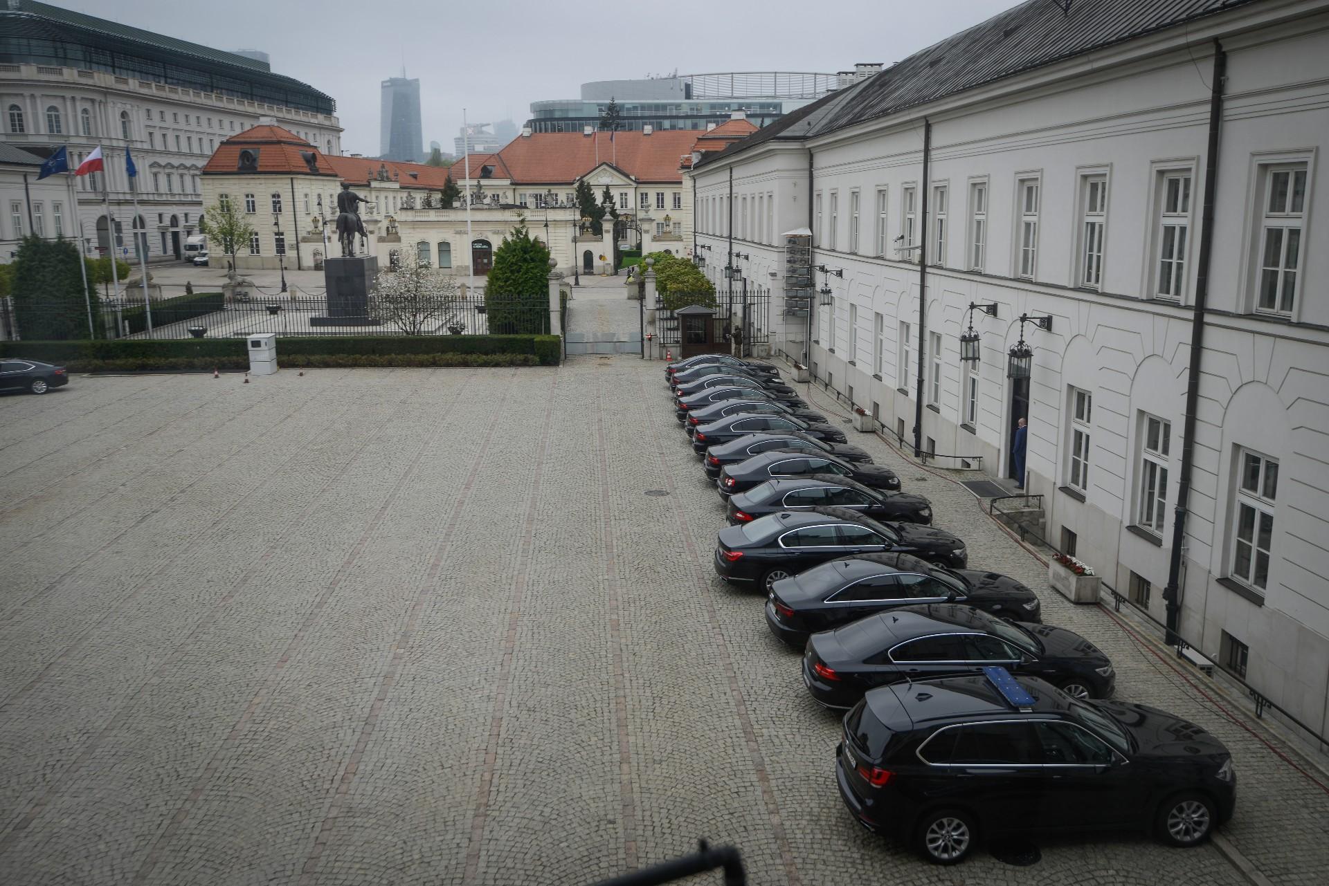 Rząd kupi 308 limuzyn zapieniądze zfunduszu UE dla imigrantów
