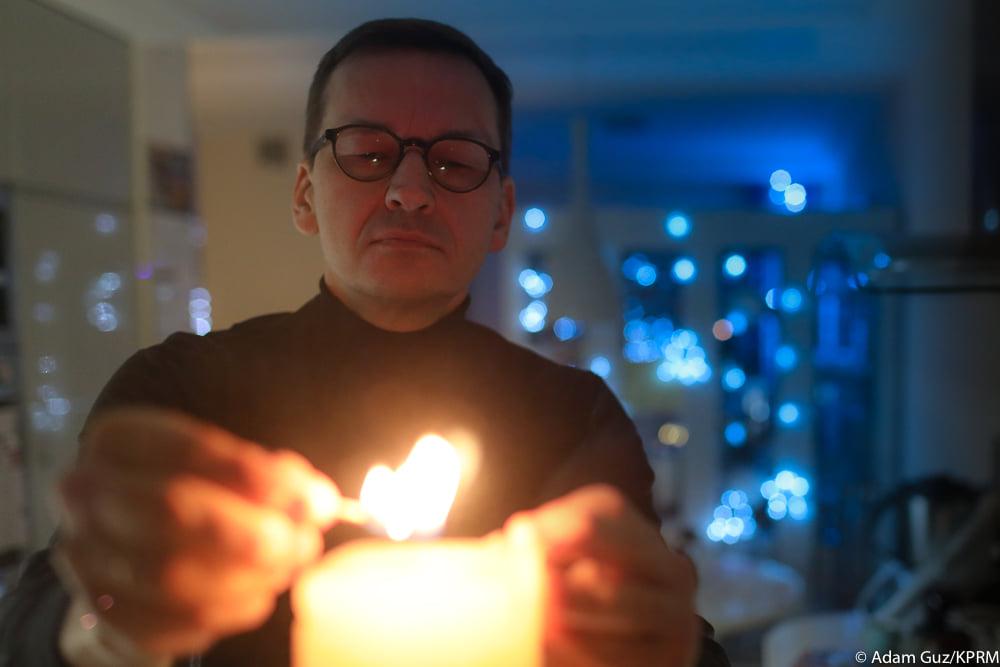 """Mateusz Morawiecki pisze """"językiem młodzieży"""" oCyberpunku 2077"""