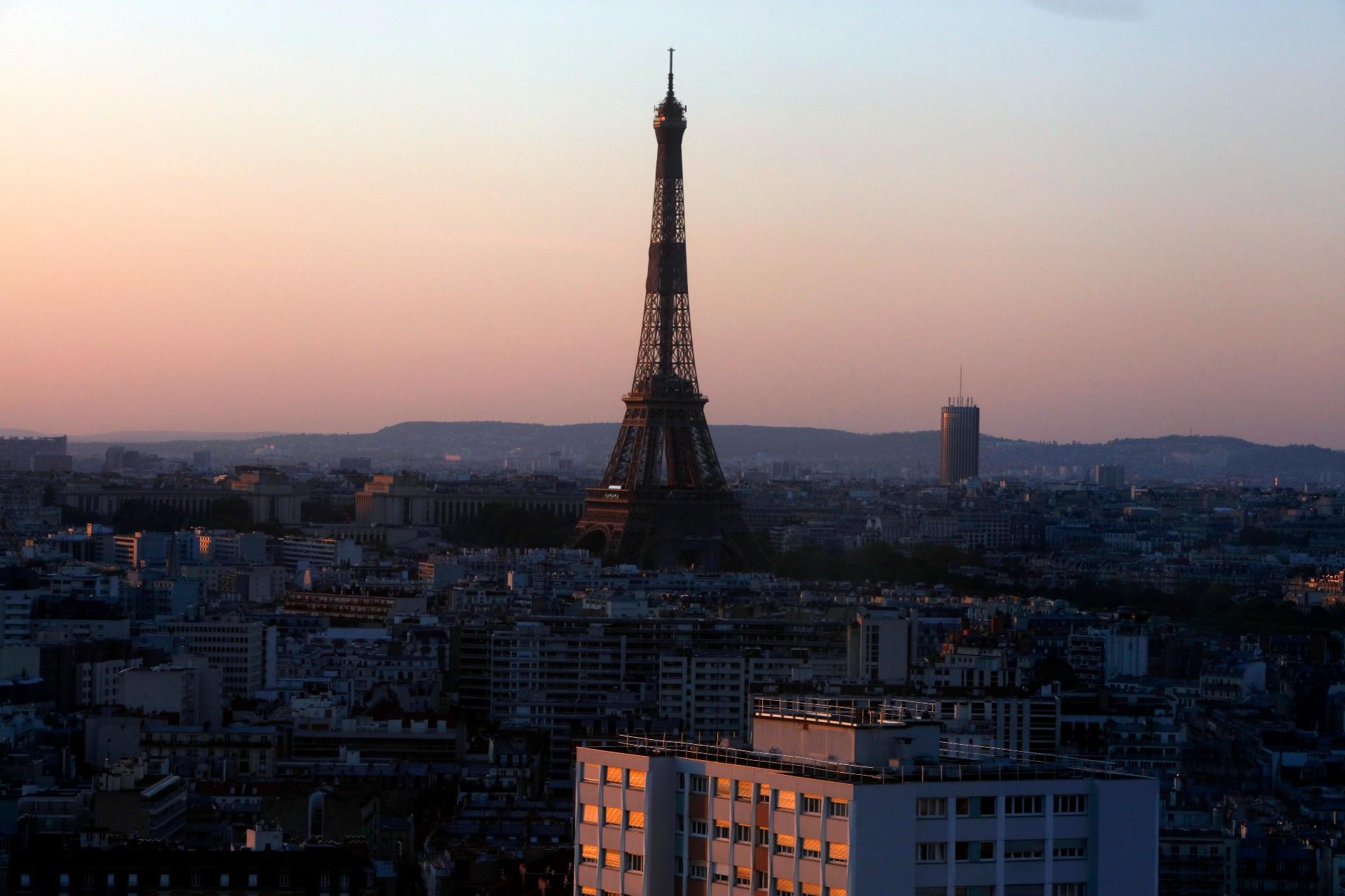 Mer Paryża zapłaci karę, ponieważ zatrudniła zadużo kobiet