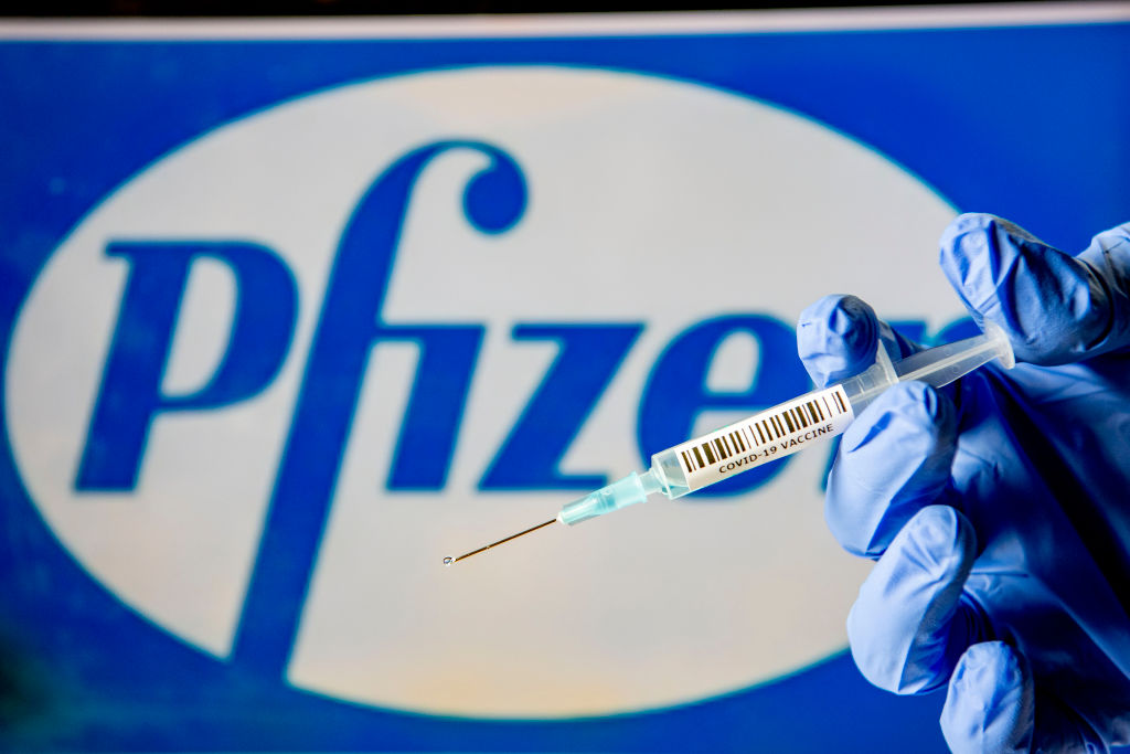 Wielka Brytania pierwszym krajem, któryzatwierdził antycovidową szczepionkę Pfizera