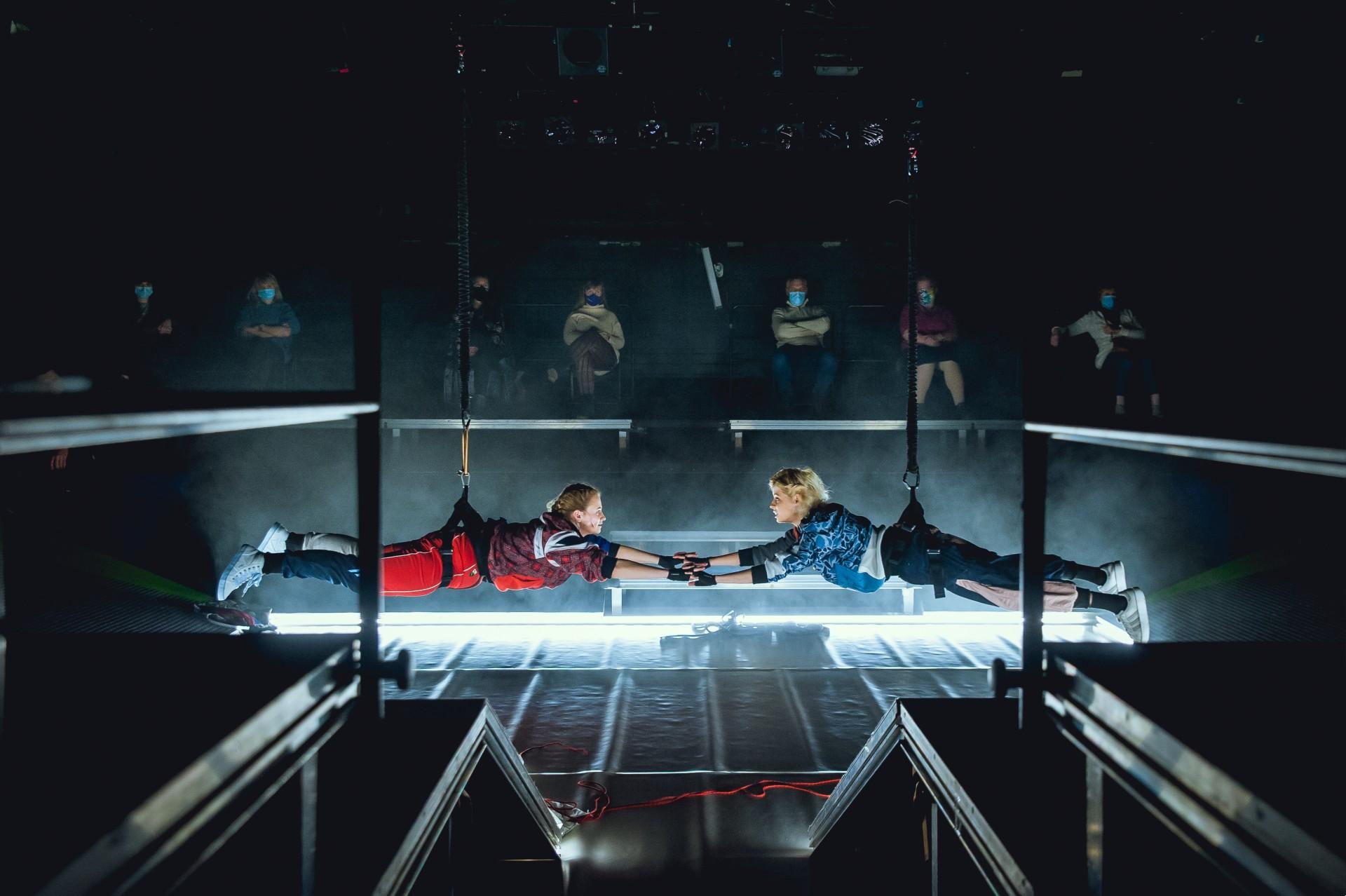 """""""Odyseja kosmiczna 2021"""" Teatru Powszechnego towizja, którazaraz może się wydarzyć"""