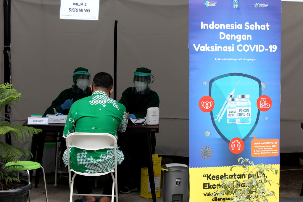 Szczepionka naCOVID-19 – Indonezja dała priorytet… Influencerom
