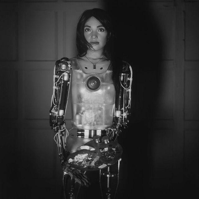 Humanoidalny robot pokaże swoje autoportrety nawystawie