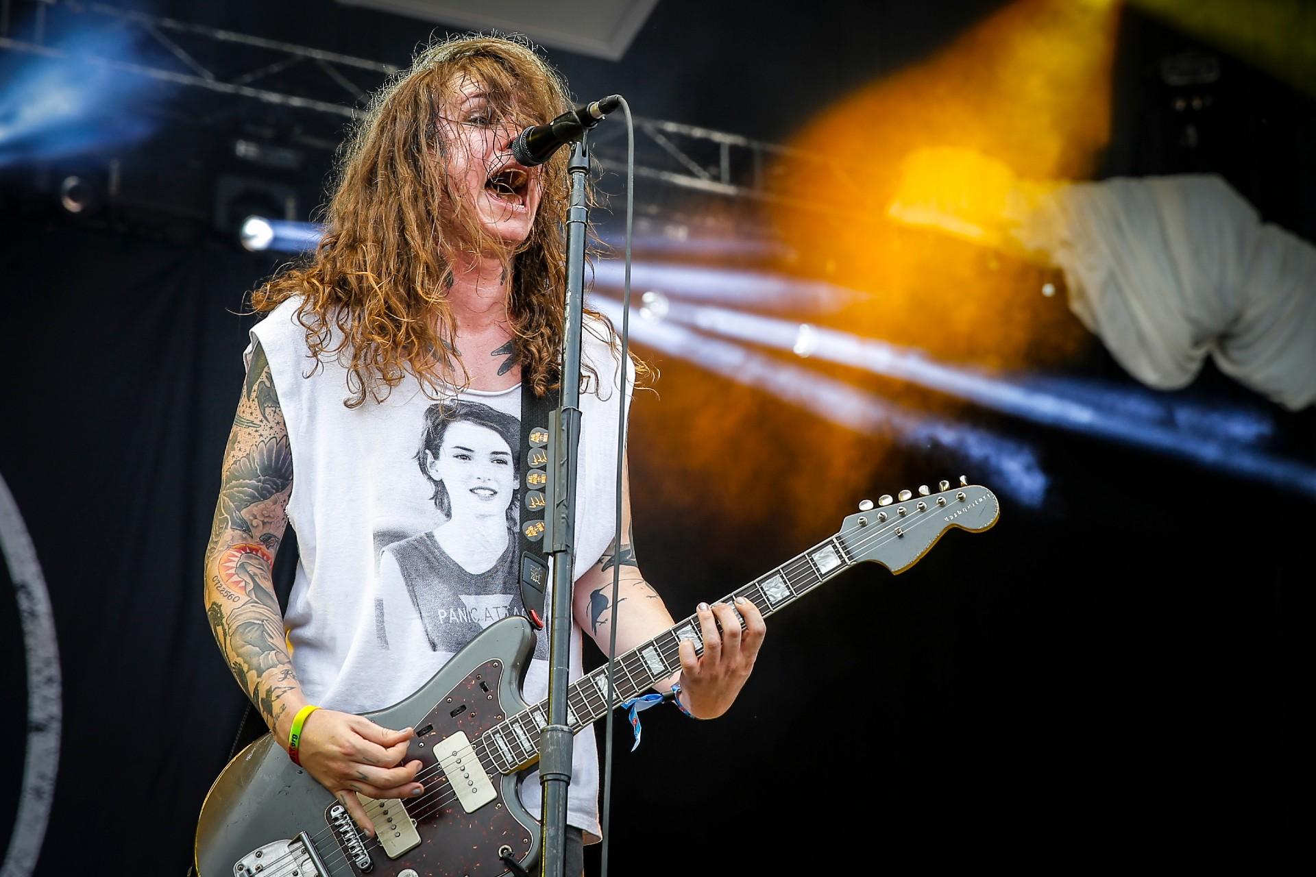 Trans-punkówa wmęskim świecie korpo-rocka. Jak Laura Jane Grace odnalazła siebie