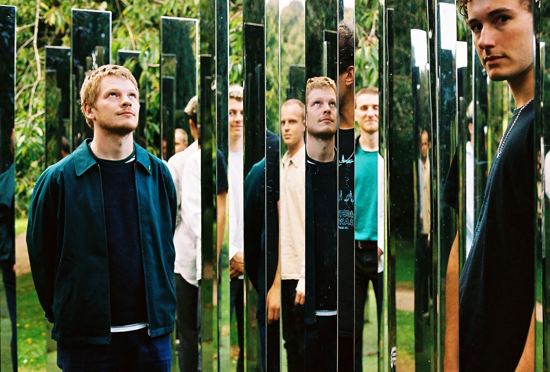 """Squid i""""Bright Green Fields"""": Dziwny izachwycający album nadziwne iodpychające czasy."""