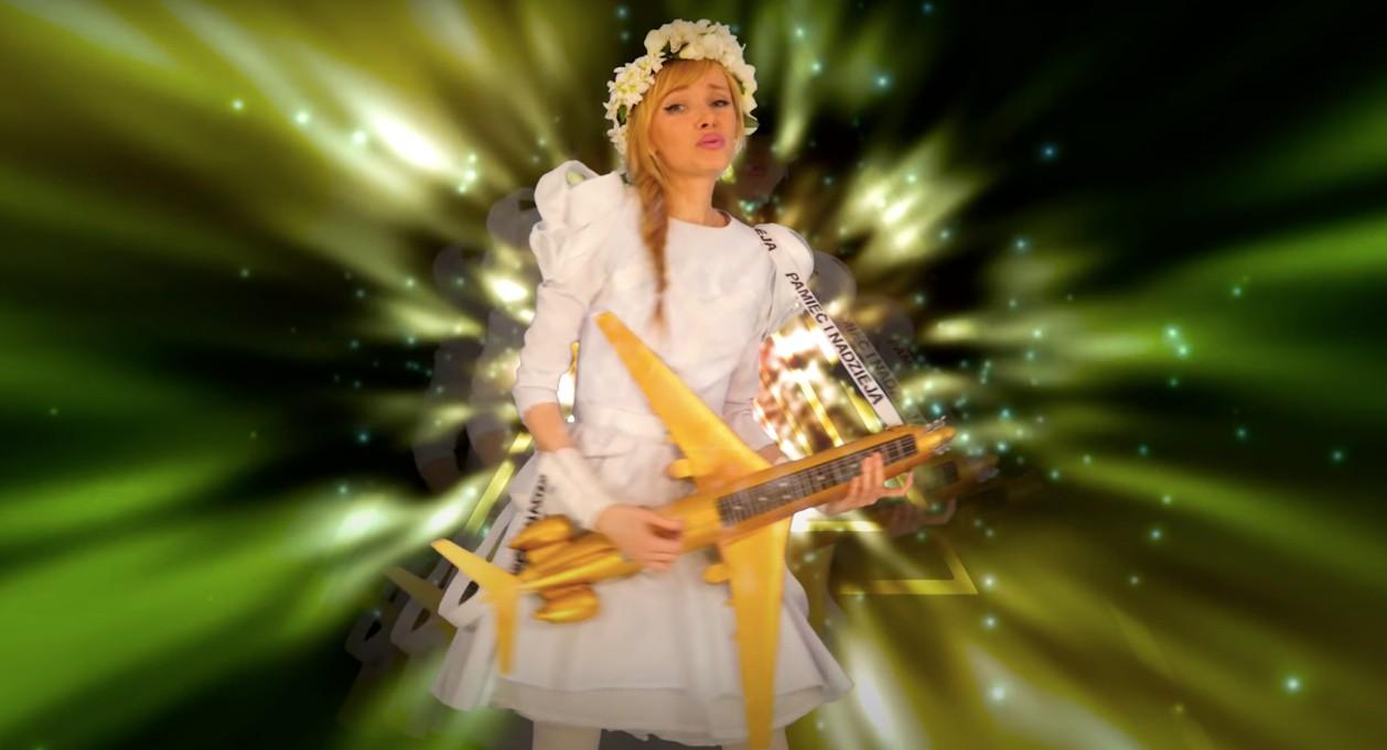 Artystka nagrała electro-popową piosenkę oSmoleńsku. Jest tocoś