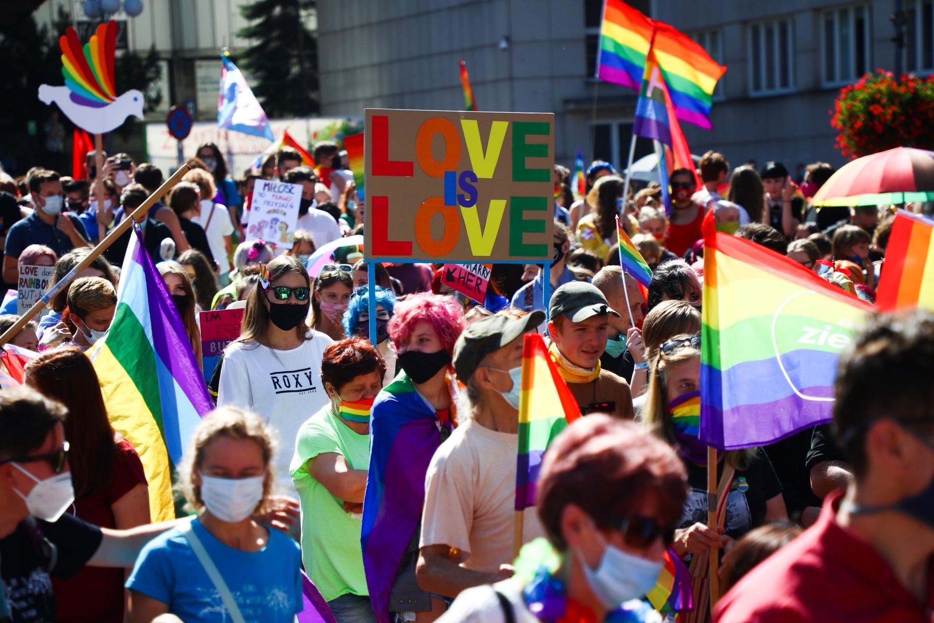 Drugi rok zrzędu Polska znajbardziej homofobicznym prawodawstwem wUE. Ijest jeszcze gorzej
