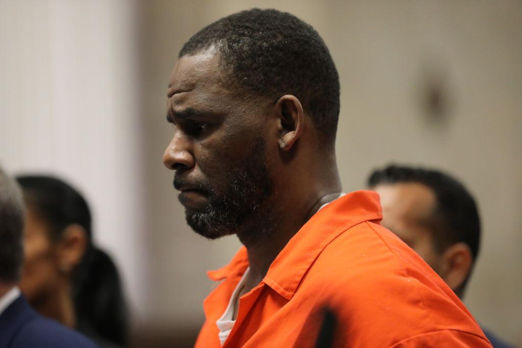 Rozpoczął się proces R. Kelly'ego. Czyjego ofiary mogą liczyć nasprawiedliwość?