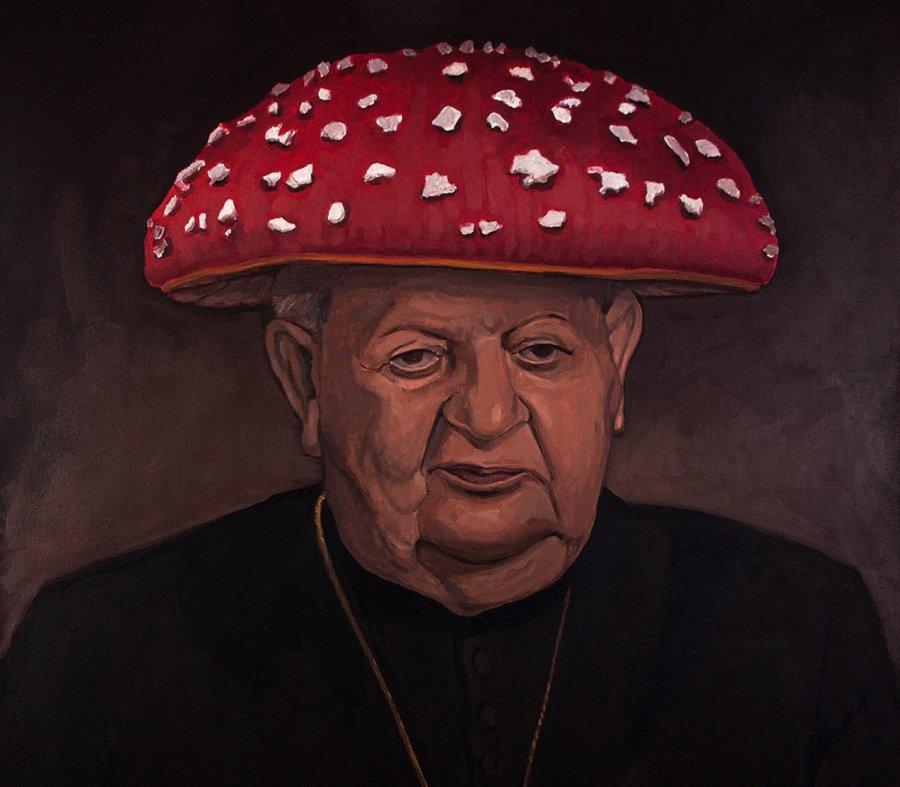 Naczelny grzyb kardynał Dziwisz nawystawie finałowej Bielskiej Jesieni 2021